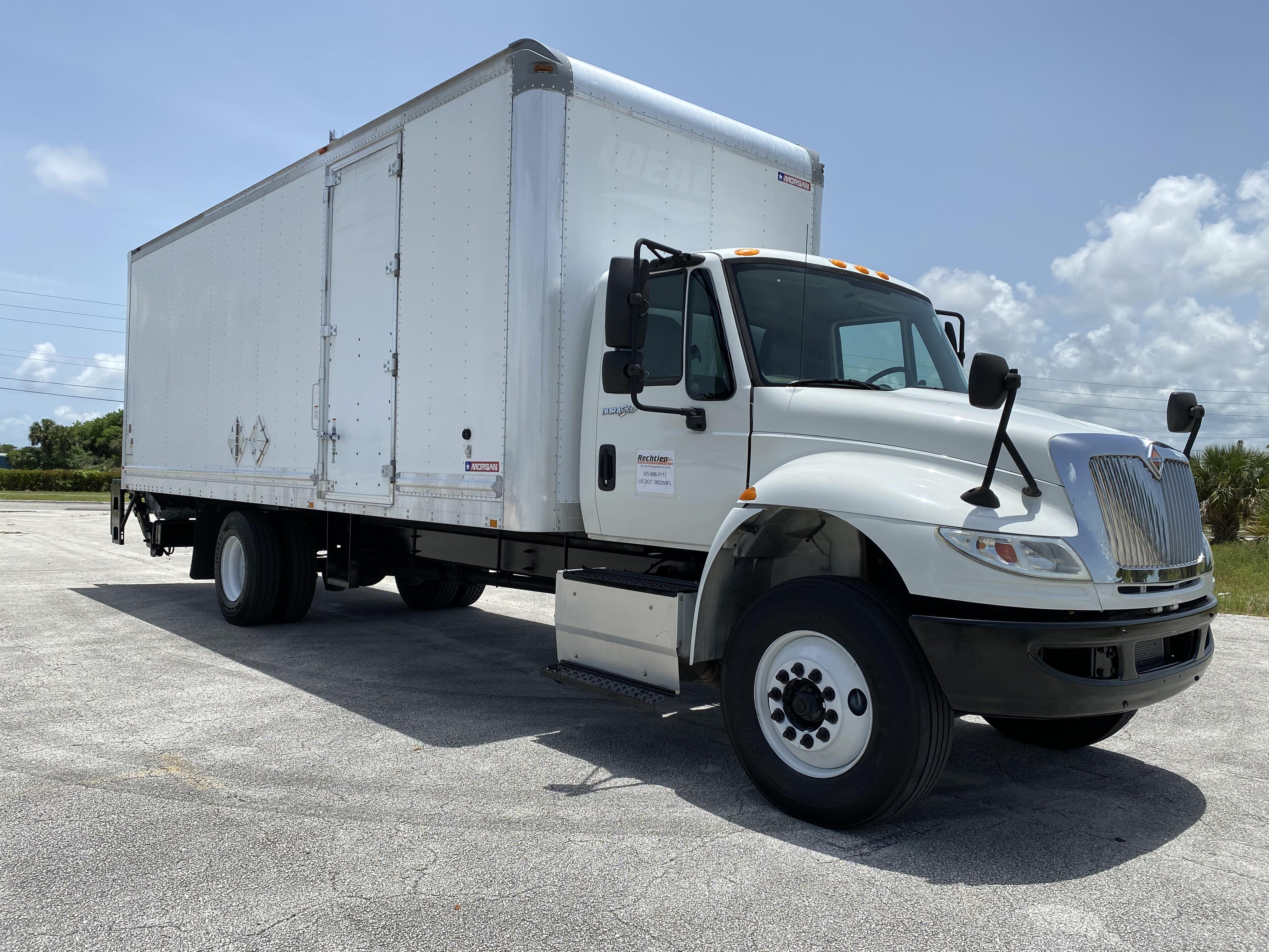 Pre-Owned 2014 INTERNATIONAL 4300