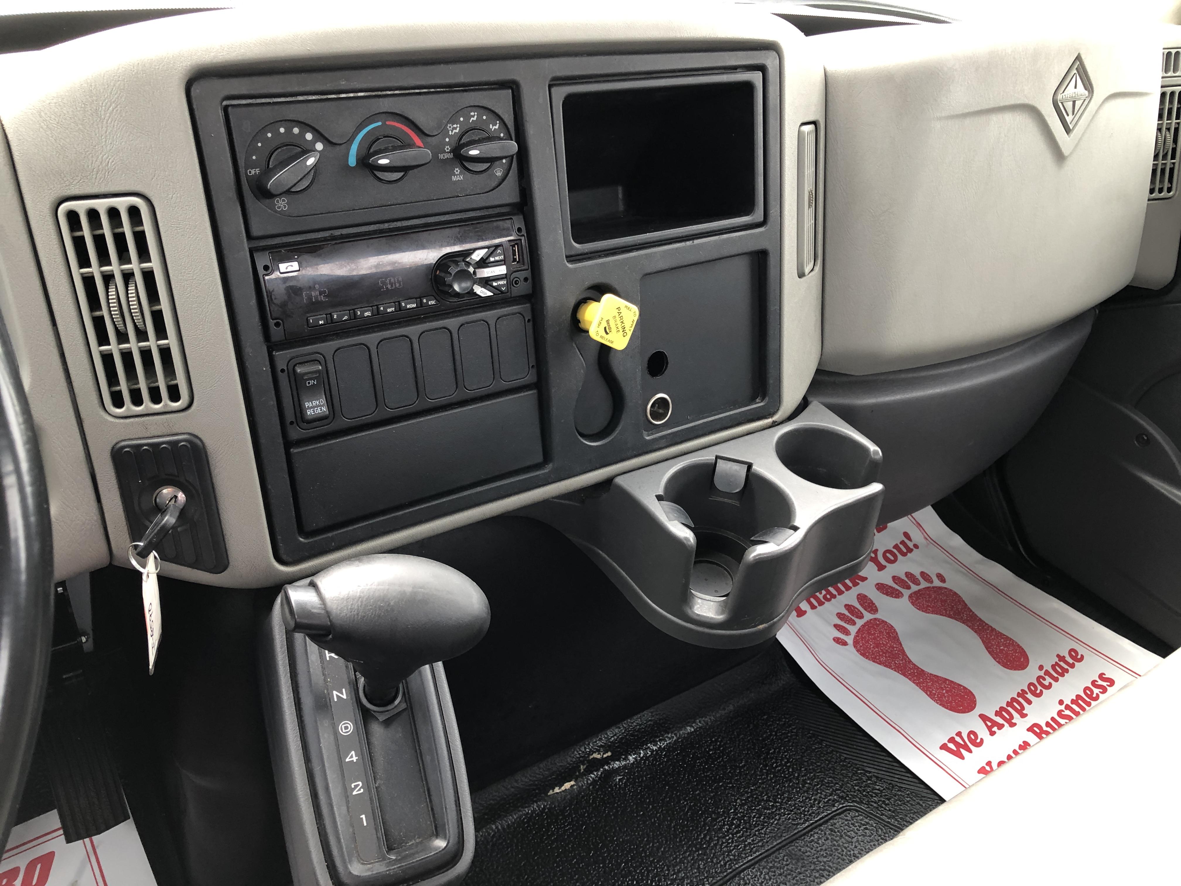 Pre-Owned 2015 INTERNATIONAL 4300